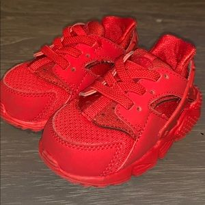 Red Nike Huaraches - baby size 4C